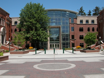 Logo University of Oregon - School of Journalism and Communication