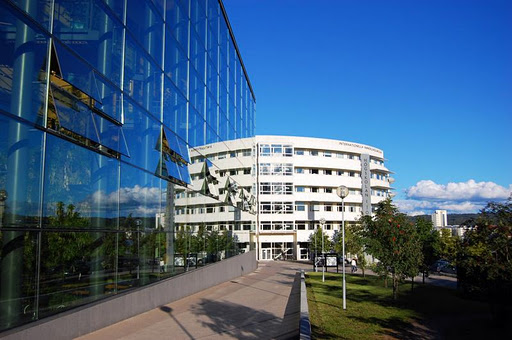 Logo Jönköping University - Jönköping International Business School
